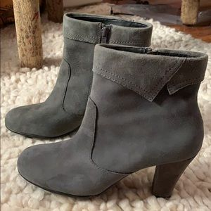Areosoles Like New! Leather Ankle boots